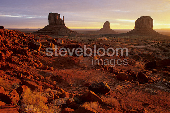 Sunrise on the mesas of Monument Valley USA