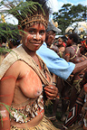 Women with waist-shell Papua New-Guinea